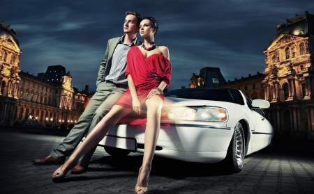 Foto de fashionable couple going to party - Imagen libre de derechos