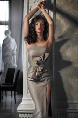 Foto de Beautiful woman wearing dress - Imagen libre de derechos