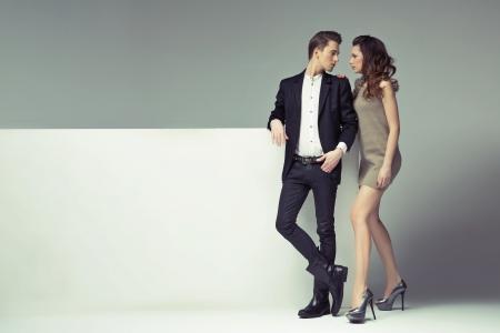 Foto de Fantastic young couple looking into their eyes - Imagen libre de derechos
