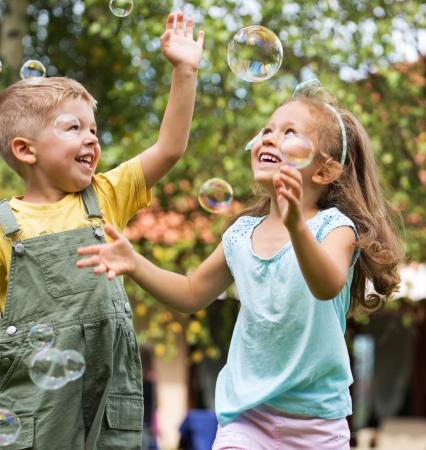 Foto de Nice picture of happy cute kids - Imagen libre de derechos