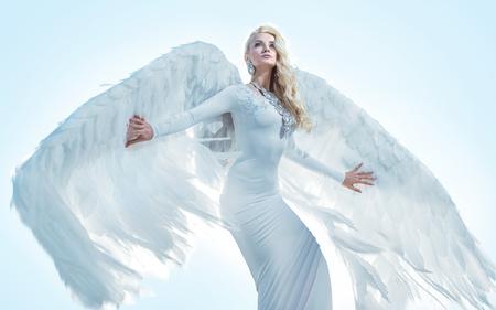 Photo pour Portrait of an elegant, blond archanangel - image libre de droit
