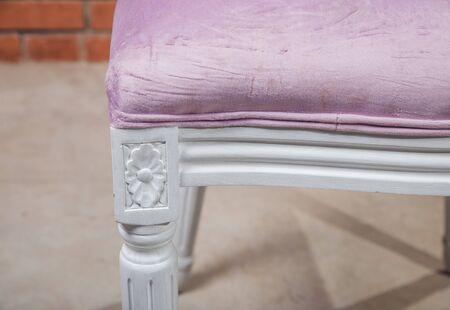 Foto de Three retro chair against a white wall. - Imagen libre de derechos