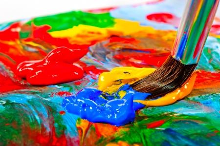 Photo pour Art brush mixed paint on the palette - image libre de droit