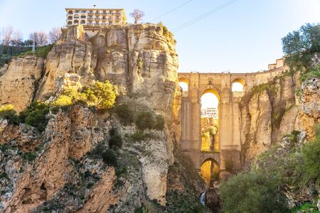 Photo pour Puente Nuevo Bridge and town Ronda, Andalusia, Spain - image libre de droit