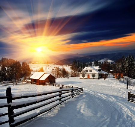 Foto per Winter landscape. Mountain village in the Ukrainian Carpathians. - Immagine Royalty Free