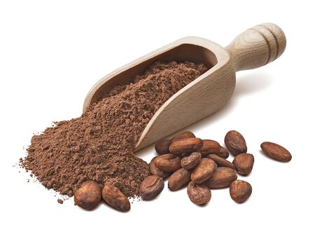 Photo pour Wooden scoop with crude cocoa powder and raw beans isolated on white - image libre de droit