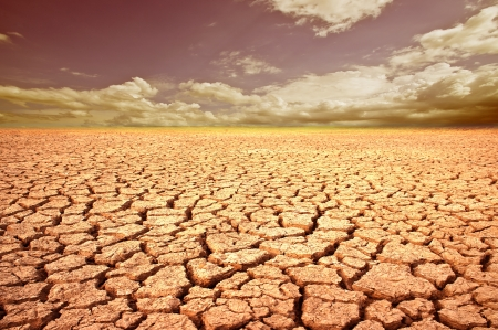 Photo pour Land with dry and cracked ground. Desert.   - image libre de droit