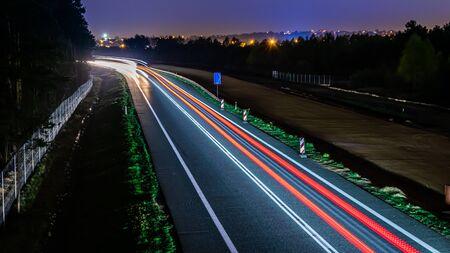 Foto de lights of cars with night - Imagen libre de derechos