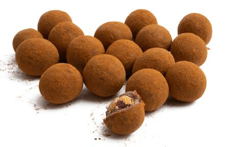 Photo pour chocolate truffles with nuts isolated on white background - image libre de droit