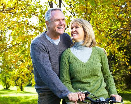 Foto de Happy elderly couple. - Imagen libre de derechos