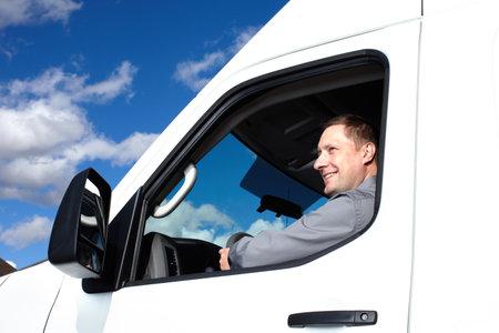 Foto de Handsome truck driver  - Imagen libre de derechos