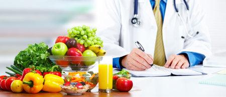 Photo pour Nutritionist doctor man - image libre de droit