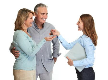 Photo pour Senior couple broker. - image libre de droit