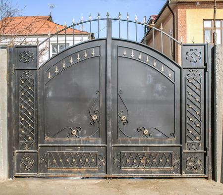 Photo pour Beautiful Forged Metal Gates - image libre de droit