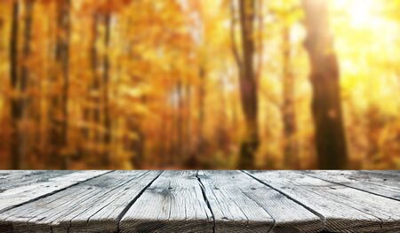 Photo pour Empty old wooden table background - image libre de droit