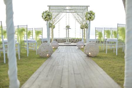 Foto für Wedding setting on the garden. - Lizenzfreies Bild