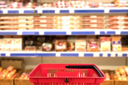 Foto für Abstract blurred photo of store with basket in department store bokeh background. business concept. - Lizenzfreies Bild