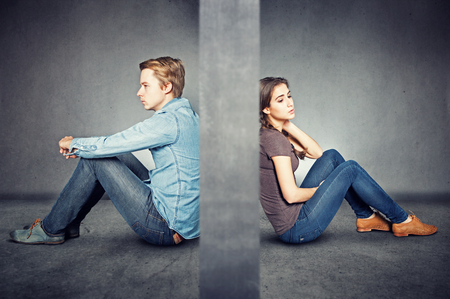 Photo pour Wall between couple - image libre de droit