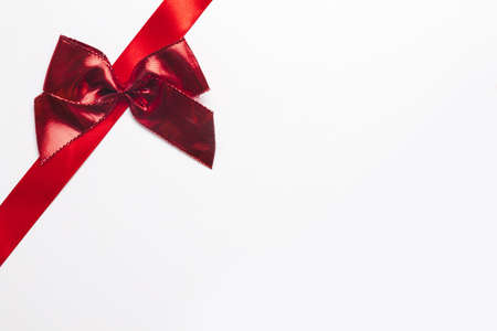 Photo pour silk ribbon with bright bow. Resolution and high quality beautiful photo - image libre de droit