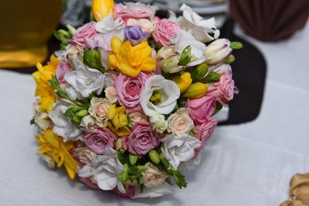 Foto de Beautiful wedding bouquet - Imagen libre de derechos