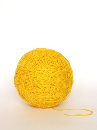 lana amarilla