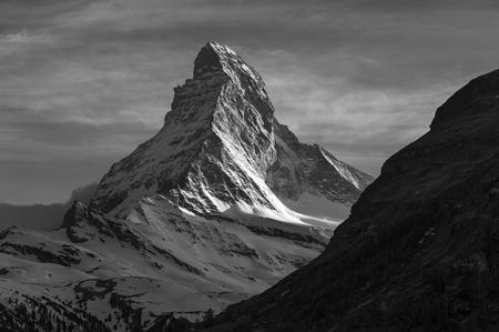 Photo pour Mountain Matterhorn - image libre de droit