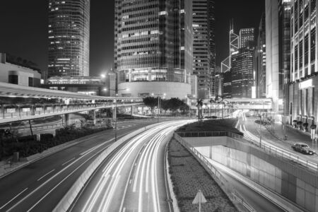 Photo pour Traffic in downtown of Hong Kong city at night - image libre de droit
