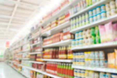 Photo pour Supermarket blur background , Miscellaneous Product shelf - image libre de droit
