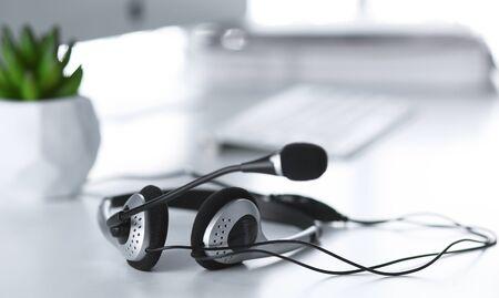 Photo pour Communication support, call center and customer service help desk - image libre de droit