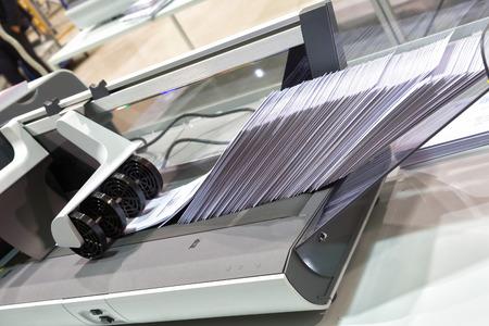 Photo pour Work unit for sorting letters postcode - image libre de droit