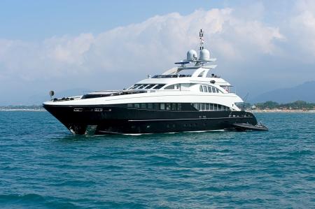 Photo pour Luxury yacht  Sardinia, Italy  - image libre de droit