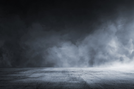 Photo pour Texture dark concrete floor with mist or fog - image libre de droit