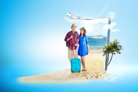 Foto de Mobile phone with blue background. From the phone screen comes asian couple with suitcase bag and backpack standing on the beach with ferry boat sailing on the sea and plane flying on the sky to the outside. Traveling concept - Imagen libre de derechos