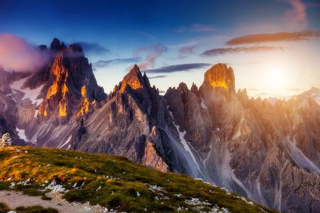 Foto de Great view of the top Cadini di Misurina range in National Park Tre Cime di Lavaredo. Dolomites, South Tyrol. Location Auronzo, Italy - Imagen libre de derechos