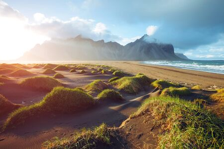 Photo pour Majestic landscape on sunny day. Location Stokksnes cape, Vestrahorn  Iceland, Europe. Scenic image of most popular tourist attraction. Travel destination. Discover the beauty of earth. - image libre de droit