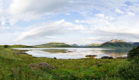 Photo pour An IIsle of Mull Scotland UK countryside scene with Loch Na Keal and Mountains - image libre de droit