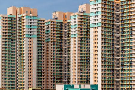Photo pour Exterior of apartment building - image libre de droit