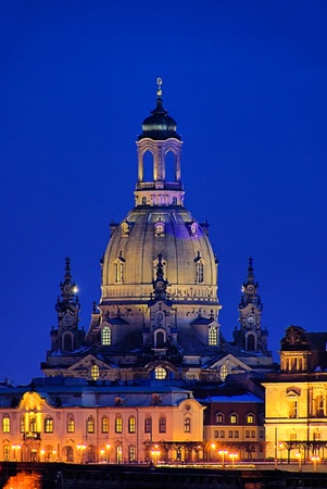 Dresden Church of Our Lady by night 05