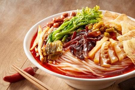 Photo pour Delicious Chinese Guangxi Liuzhou cuisine, snail rice noodles - image libre de droit