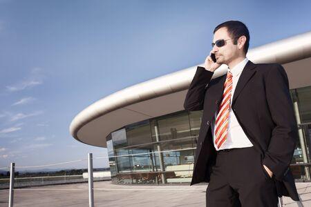 Photo pour Business person on phone. - image libre de droit