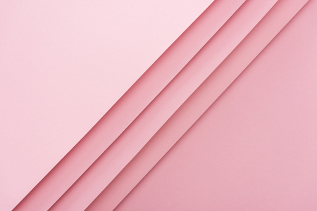 Photo pour top view of blank and empty sheets of paper on pink background with copy space - image libre de droit