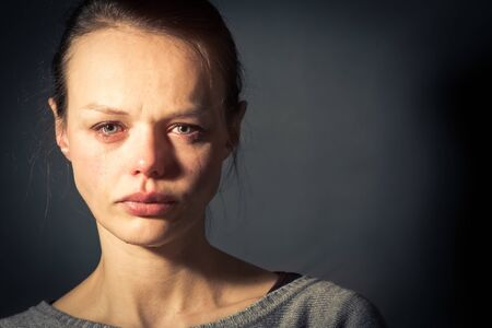 Photo pour Young woman suffering from severe depression/anxiety/sadness - image libre de droit