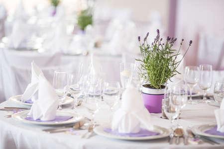 Photo pour Lovely wedding venue - Wedding reception room, tables set and ready - image libre de droit