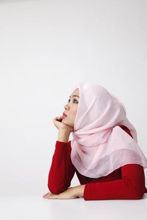 Photo pour malay woman sitting having dreams - image libre de droit