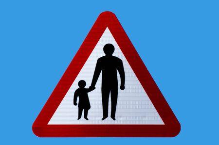 Photo pour Triangular road safety warning sign for pedestrians in road or no footway. Isolated. - image libre de droit