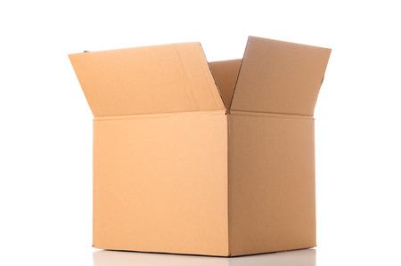Photo pour Open cardboard box - image libre de droit