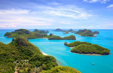 Photo pour Bird eye view of Angthong national marine park, koh Samui, Suratthani, Thailand - image libre de droit
