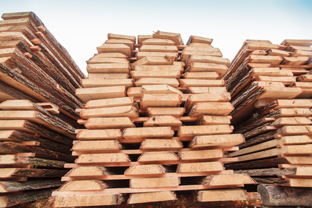 Photo pour wood building beam material lumber - image libre de droit