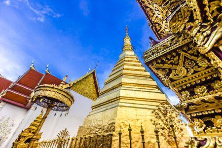 Photo pour Wat Phra That Cho Hae, the Royal Temple, is a sacred ancient temple in Phrae, Thailand - image libre de droit