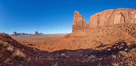 Photo pour Majestic rock formations in the Monument National park in Utah during daytime in winter - image libre de droit